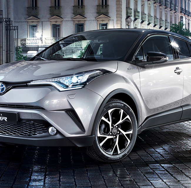 TOYOTA C-HR 1.8 Hybrid Business